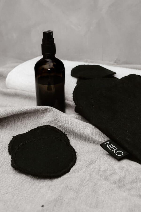nieko-vanulaput-musta